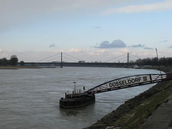 Мостовете на Дюселдорф